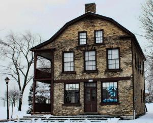 Robinson House; photographer: Don Wotton